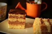 prajitura cu budinca de ciocolata si glazura de ciocolata