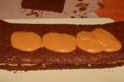 prajitura-cu-ciocolata-si-caramel-6