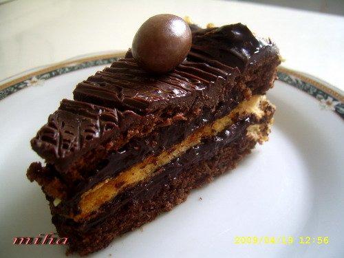 Felie tort cu ciocolata si bezea