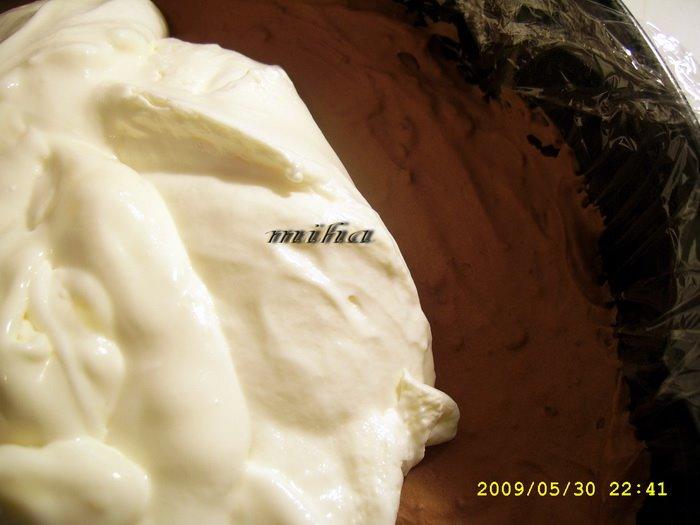Tort cu crema de lapte condensat