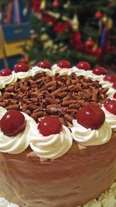 Tort cu visine si ciocolata