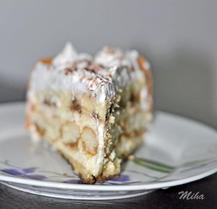 Tort cu crema mascarpone insiropat cu cafea