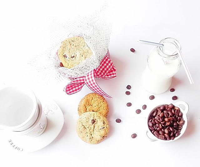 biscuiti-cu-ciocolata-si-migdale-3