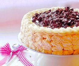 Tort cu caramel si ciocolata