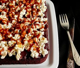 Negresa cu ciocolata si popcorn