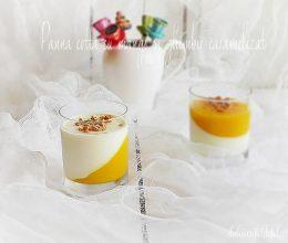 Panna cotta cu mango si ghimbir caramelizat