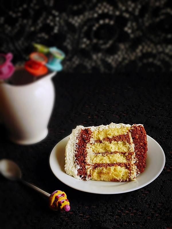 Felie de tort spirala cu ciocolata si mascarpone