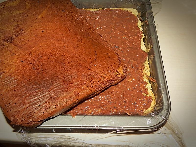 asamblare prajitura cu budinca de ciocolata