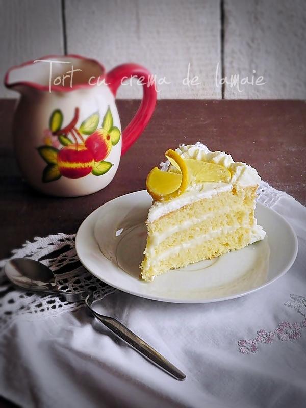 Felie de tort cu crema de lamaie