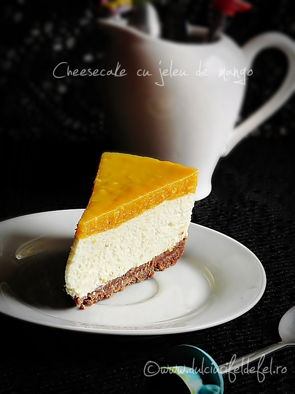 Cheesecake cu jeleu de mango