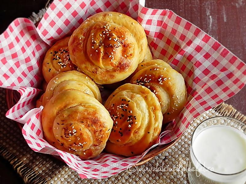 Placinta turceasca cu branza sarata