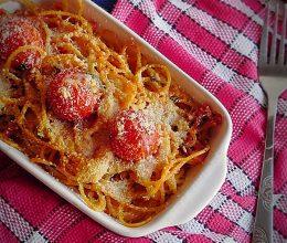 Spaghete cu sunca si rosii