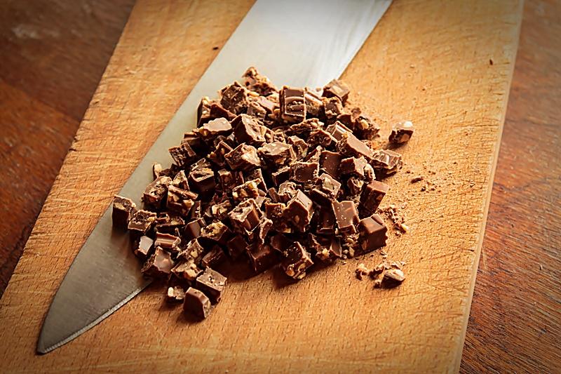 Ciocolata cu late si alune
