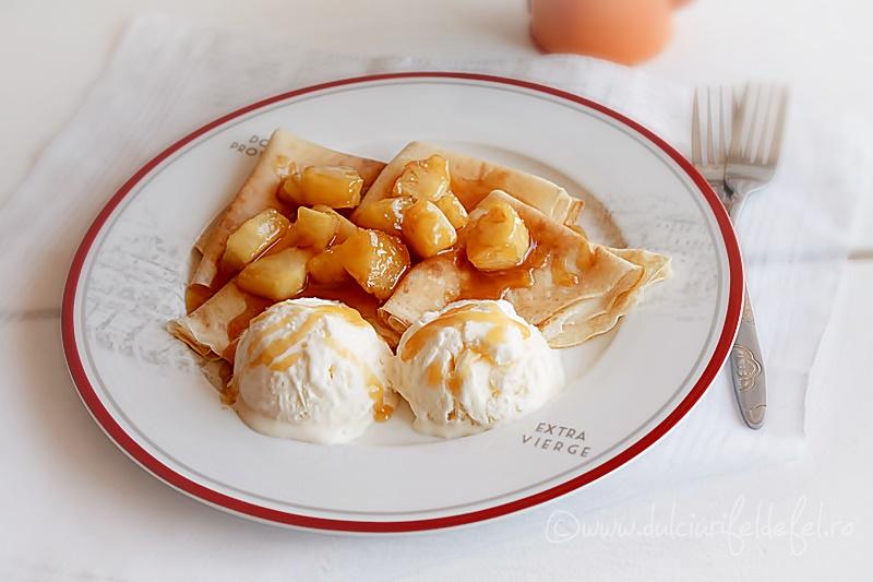 Clatite cu ananas caramelizat si inghetata