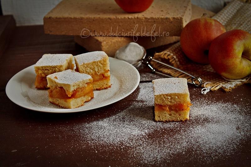 prajitura turnata cu mere caramelizate