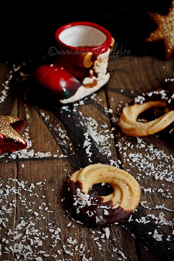 Fursecuri simple cu unt si ciocolata