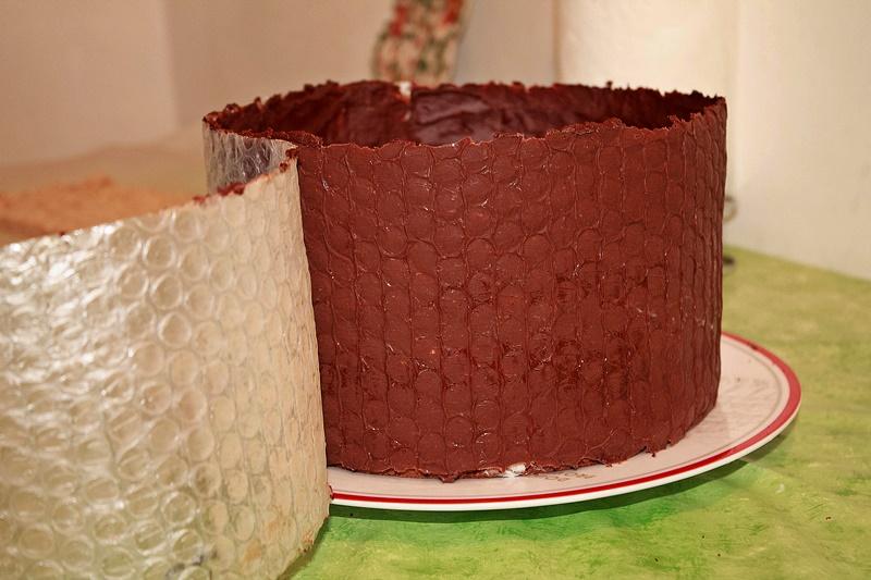 Bordura de ciocolata pentru tort