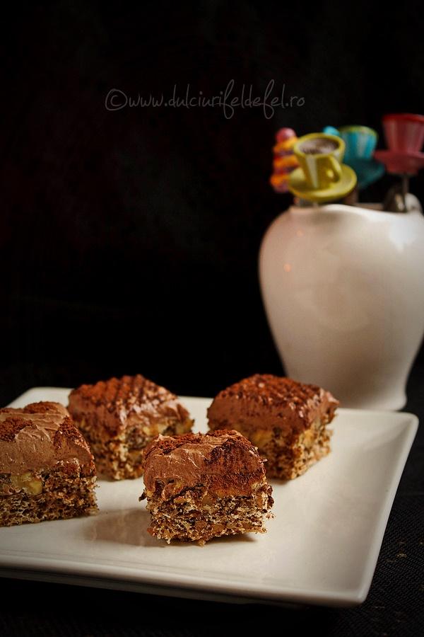 Prajitura cu crema de ciocolata si blat cu nuca