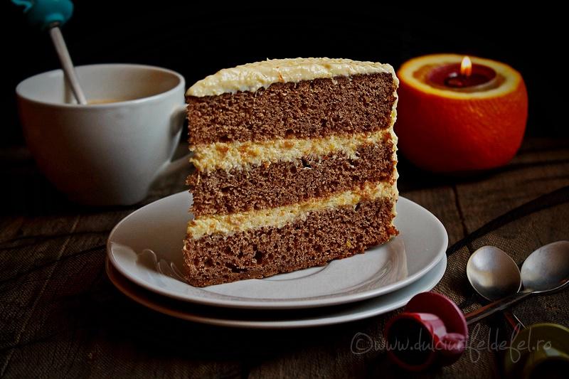 Felie de tort cu crema de portocale