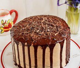 Tort de ciocolata cu crema caramel