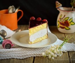 Tort cu crema mascarpone si zmeura