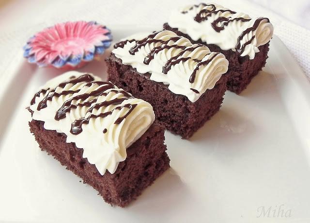 Prajitura cu frisca si ciocolata