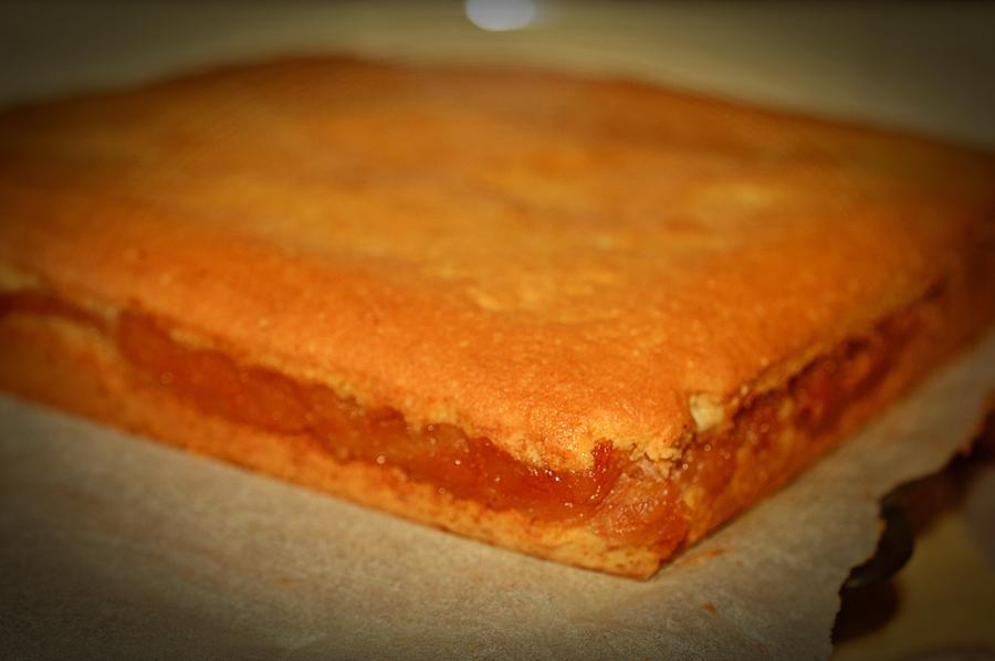 prajitura turnata cu mere calite
